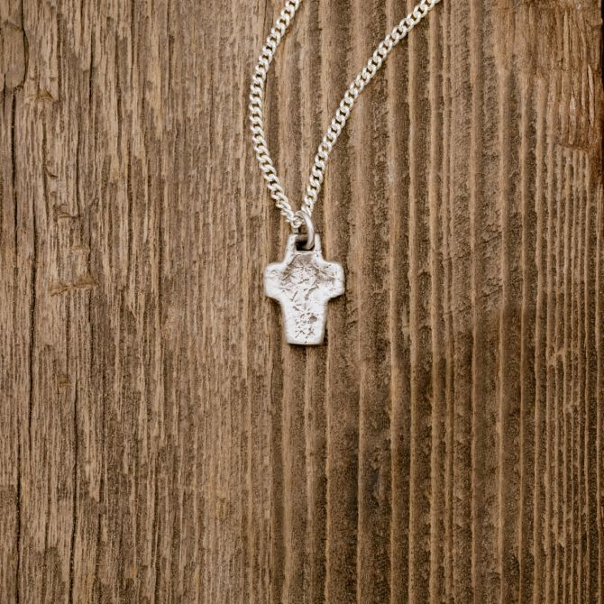THRIVE SILVER CROSS NECKLACE (STERLING SILVER)