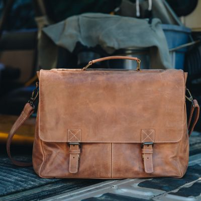 Journey Messenger Brief [Tan]