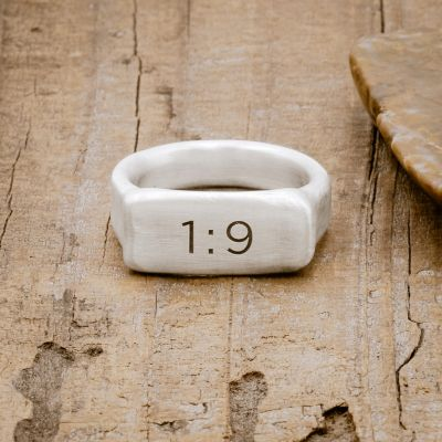 Make Your Mark Signet Ring [Sterling Silver]